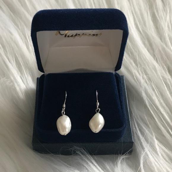 Jewelry - Genuine fresh water baroque pearl earrings
